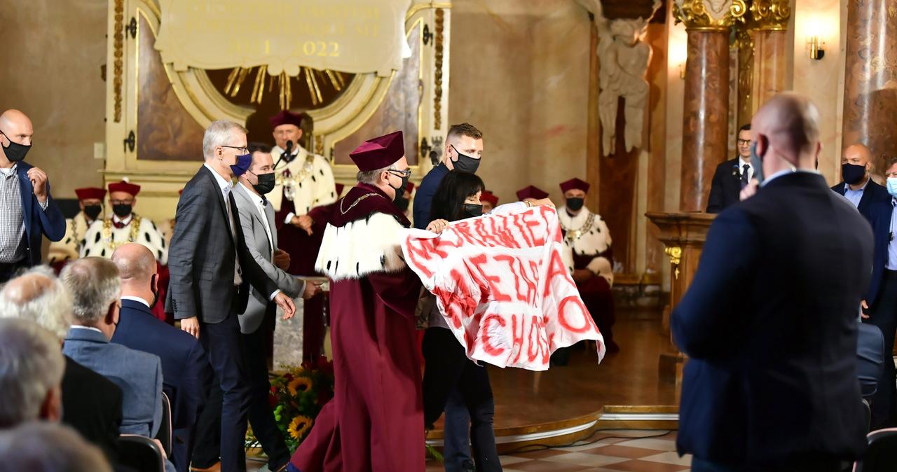 Aktywiści przerwali wystąpienie premiera na Uniwersytecie Wrocławskim