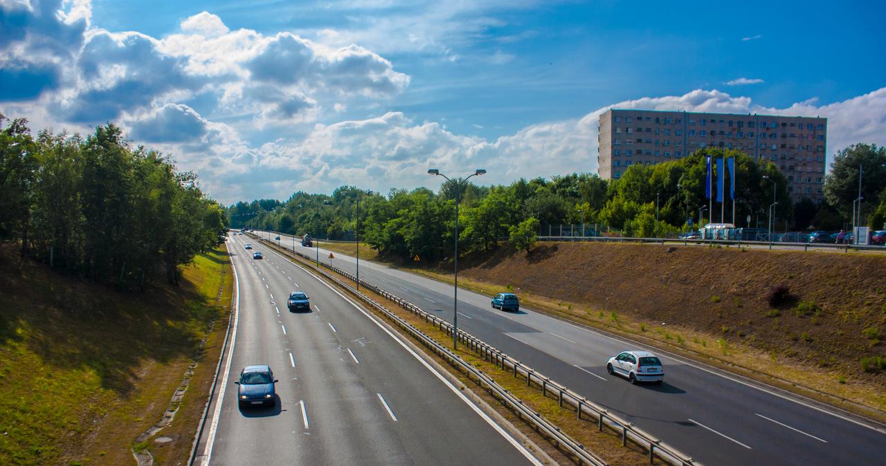 Fragment trasy DTŚ w Zabrzu faluje. Kolejne ograniczenia prędkości