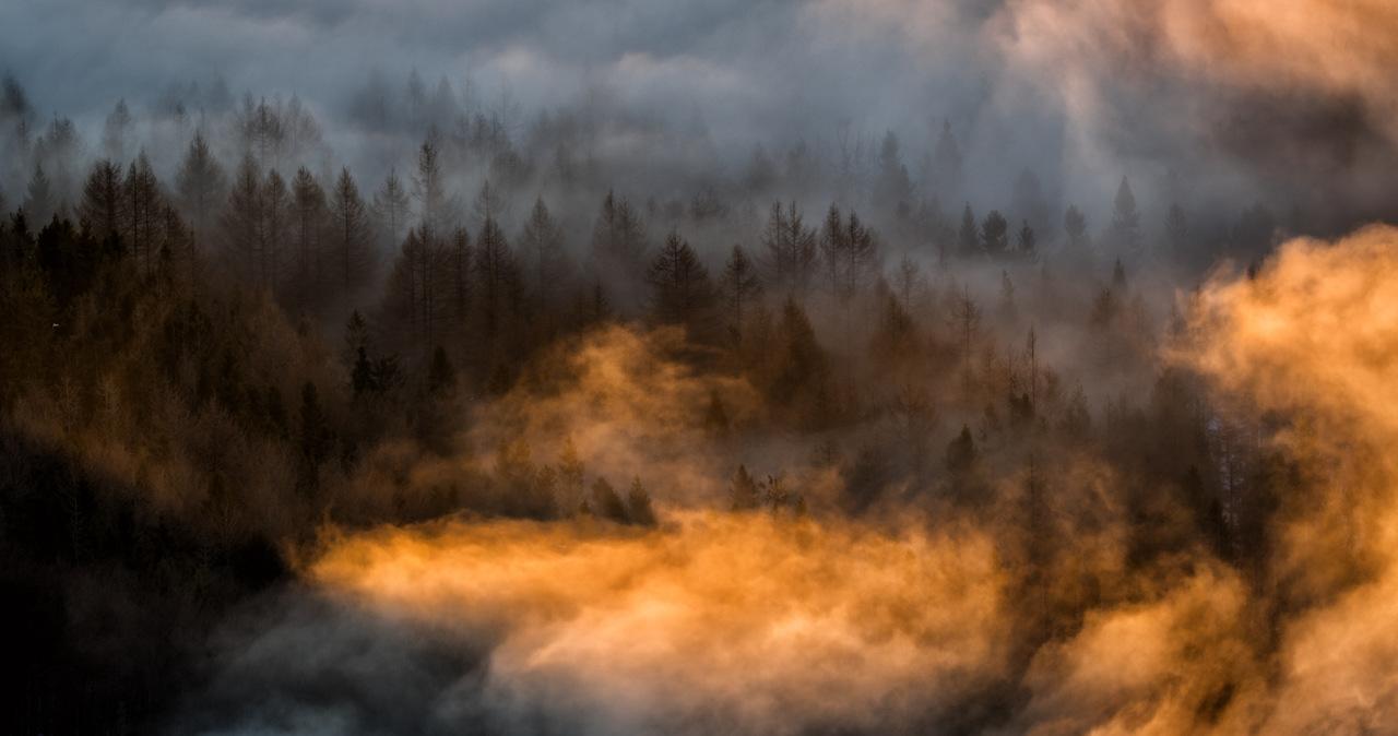 Poranny mróz w Bieszczadach: Niektóre szlaki górskie nadal śliskie