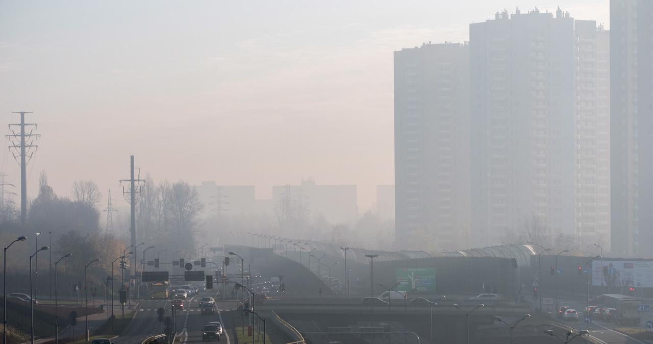 Rozpoczyna się sezon smogowy w Śląskiem. Odnotowano pierwsze przekroczenia