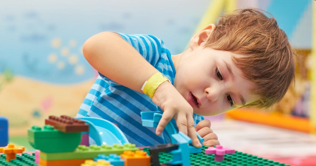Badania Lego: Otoczenie dzieci wpływa na utrwalanie szkodliwych stereotypów