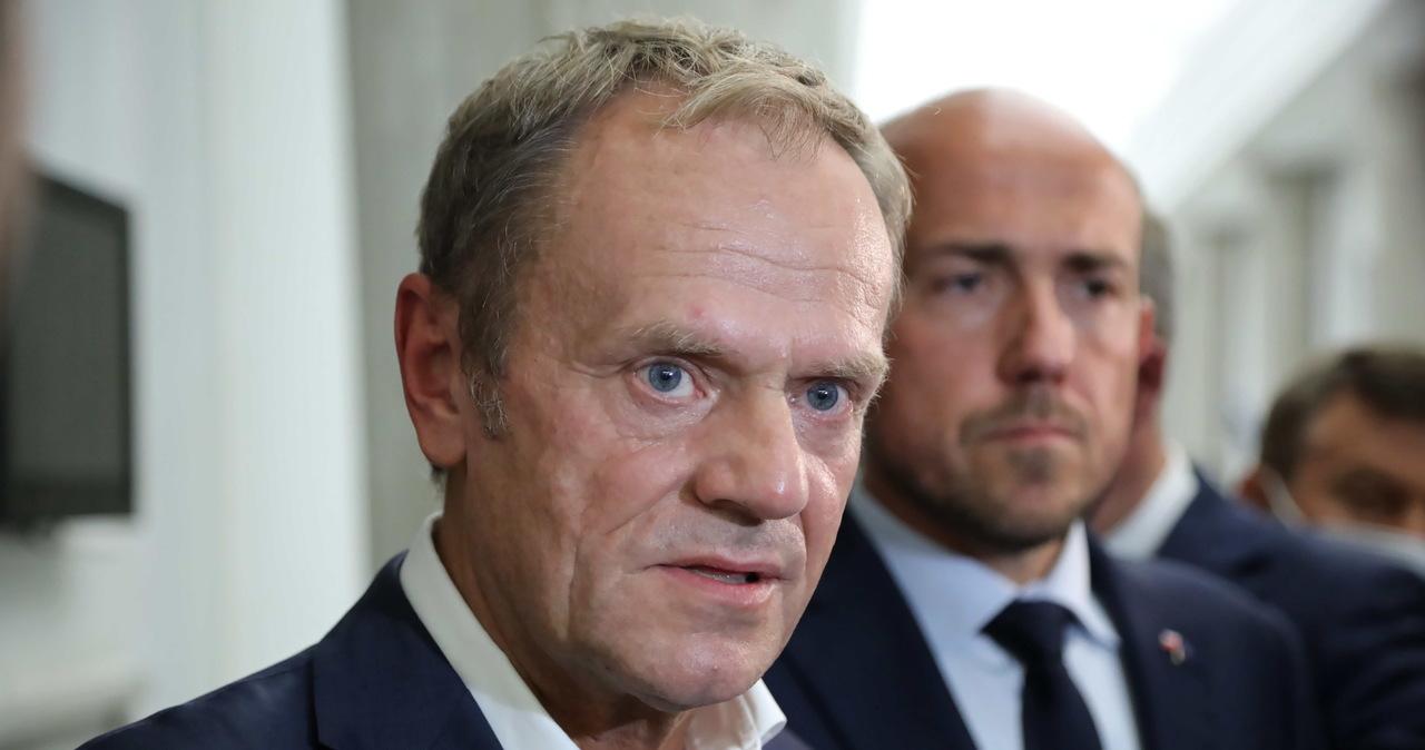 Tusk: Klub KO będzie przeciw specustawie ws. budowy zapory na granicy